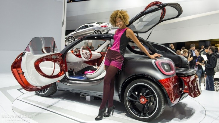 Paris 2012: smart forstars concept [Live Photos]