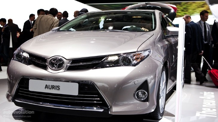 Paris 2012: Toyota Auris Hatchback [Live Photos]