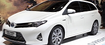 Paris 2012: Toyota Auris Touring Sports [Live Photos]