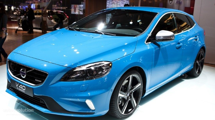Paris 2012: Volvo V40 R-Design [Live Photos]