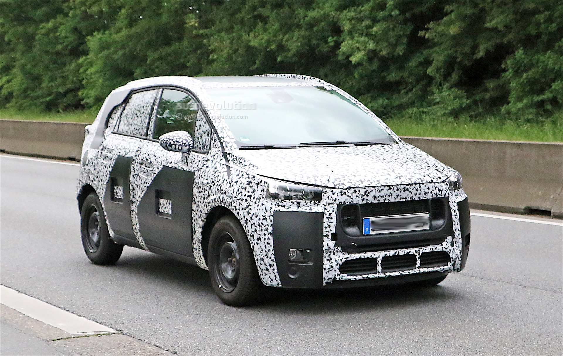 Peugeot 2008 Replacement Spied For The First Time