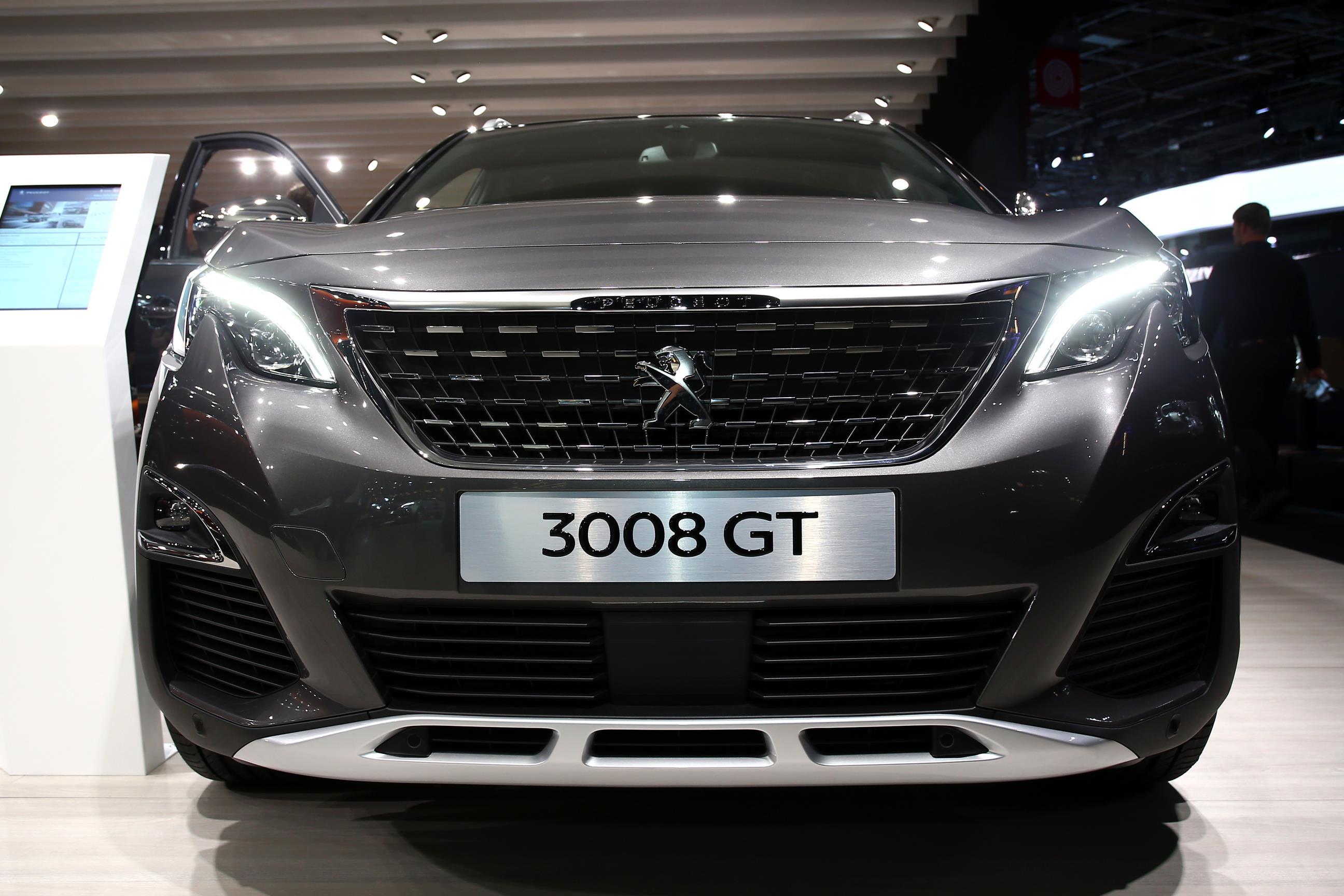 Peugeot 3008 Gt Combines Concept Interior With Hot Hatch Engine Autoevolution