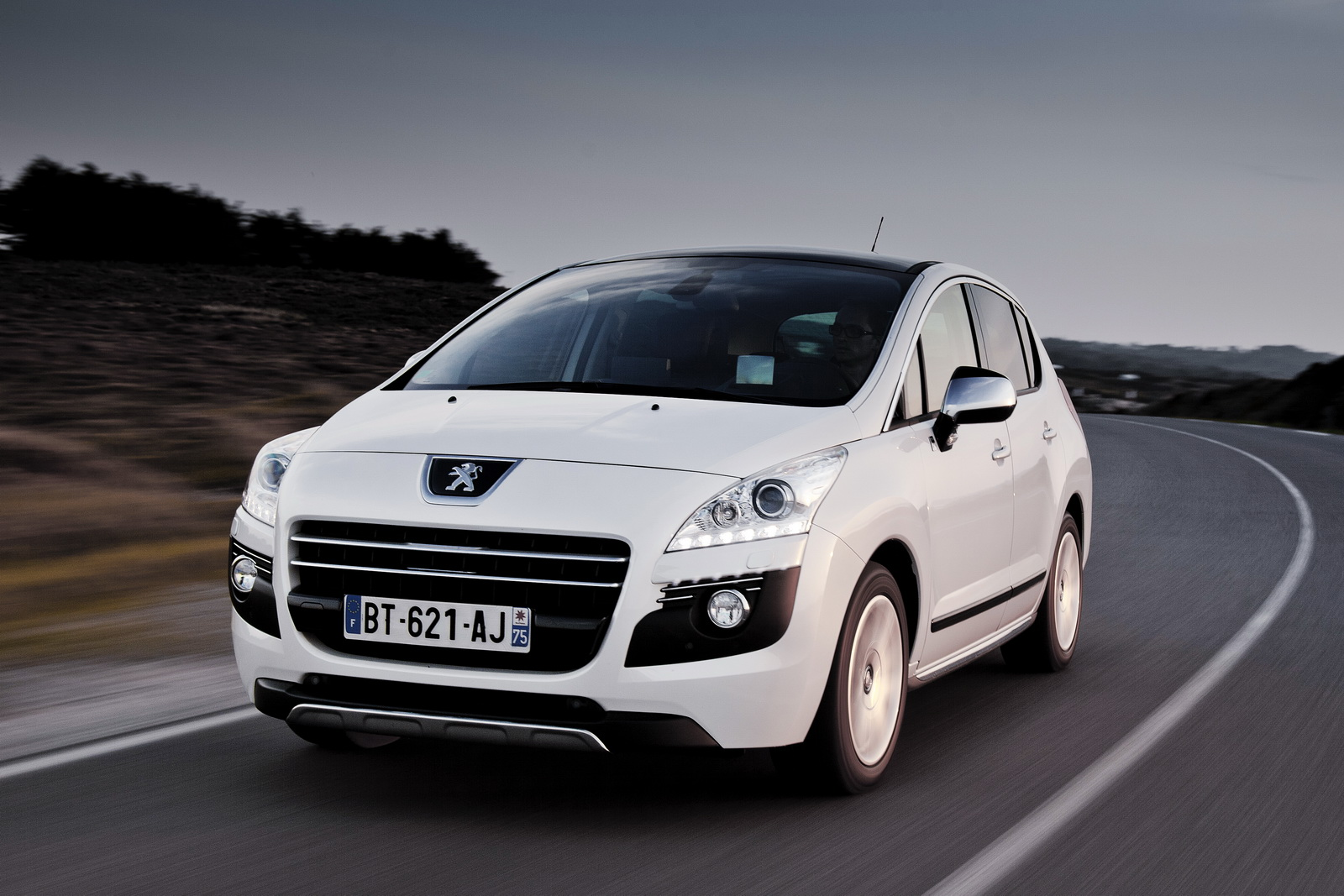 peugeot 3008 hybrid4 emissions lowered to 91 g km of co2 autoevolution. Black Bedroom Furniture Sets. Home Design Ideas