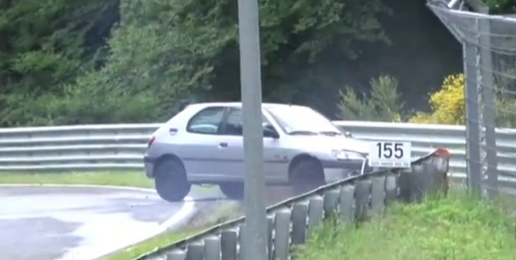 Peugeot 306, BMW M3 Crash at 'Ring [Video]