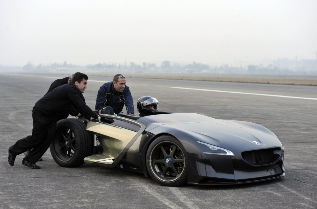 Peugeot EX1 During Record Setting Runs