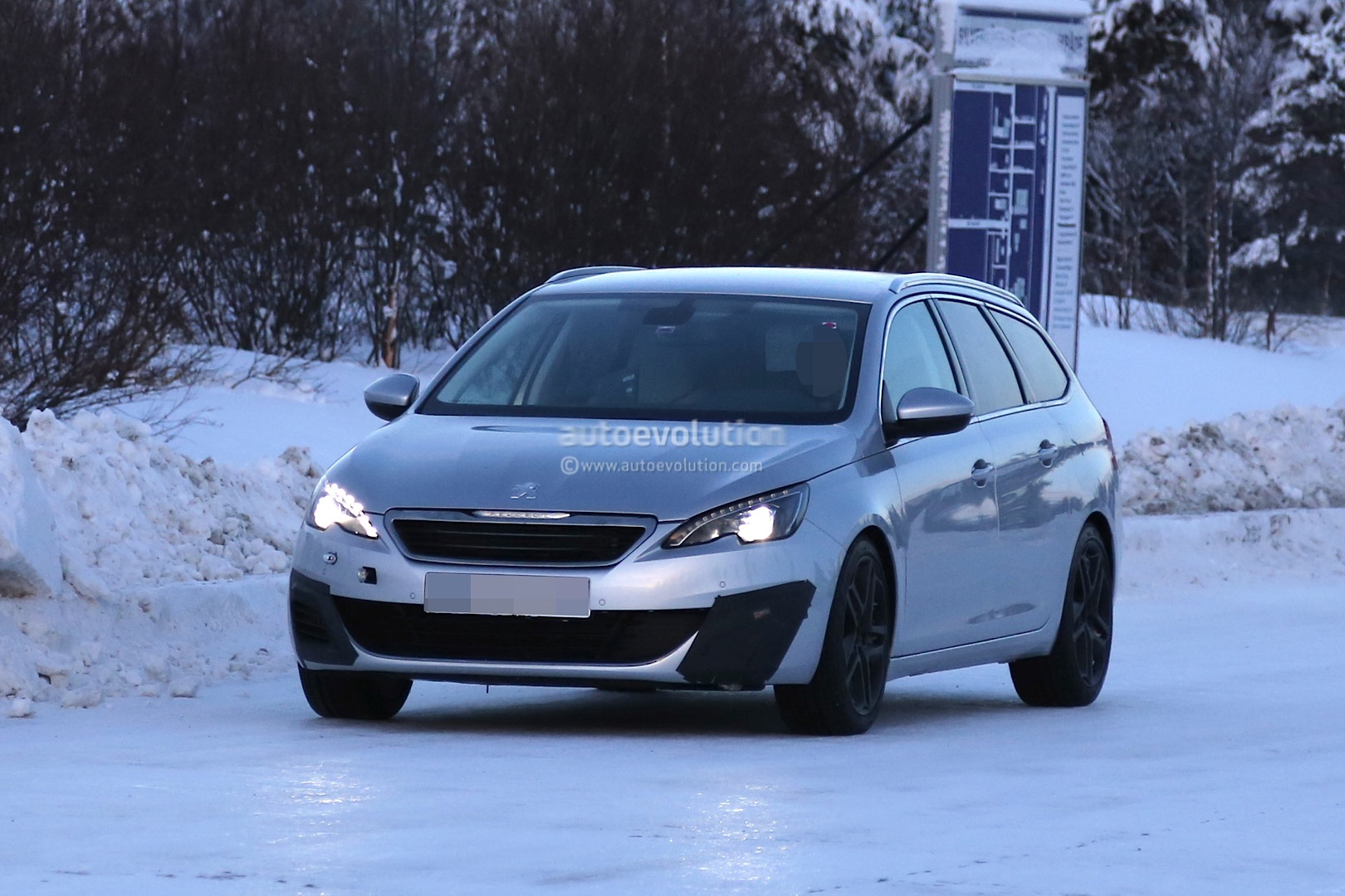 peugeot expanding 308 family with gti sw estate. Black Bedroom Furniture Sets. Home Design Ideas