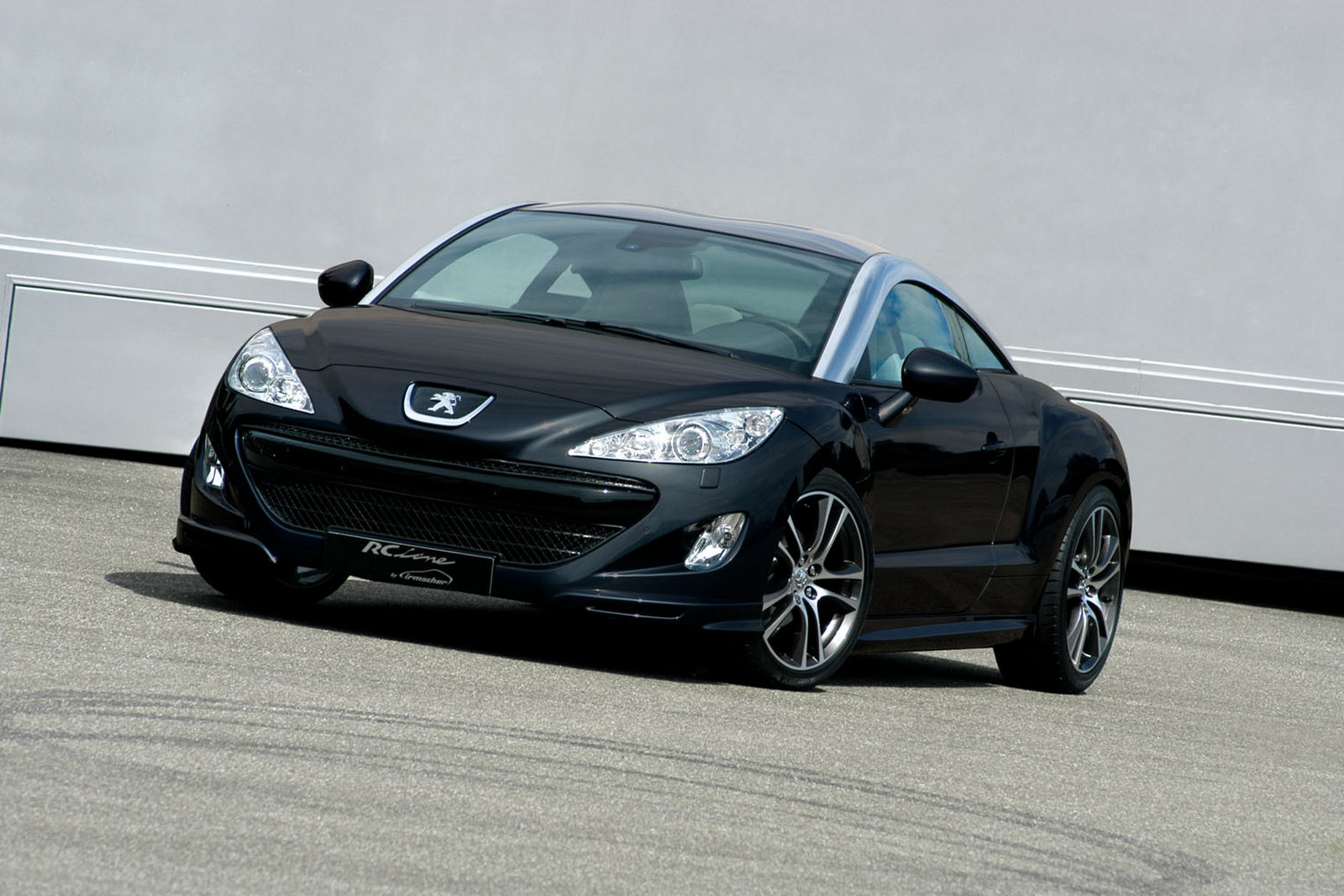 peugeot rcz enhanced with new exhausts and custom luggage autoevolution. Black Bedroom Furniture Sets. Home Design Ideas