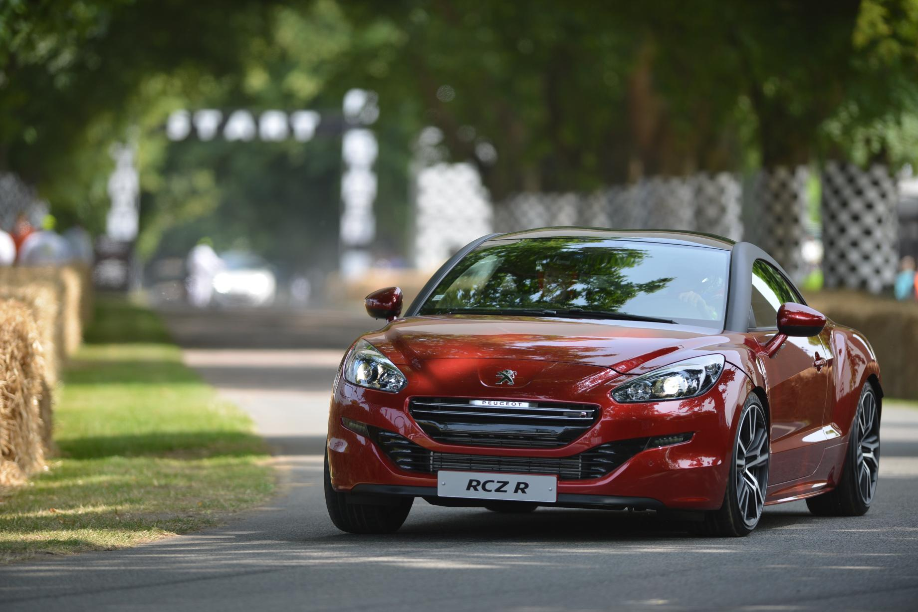 peugeot rcz r takes on goodwood hill autoevolution. Black Bedroom Furniture Sets. Home Design Ideas