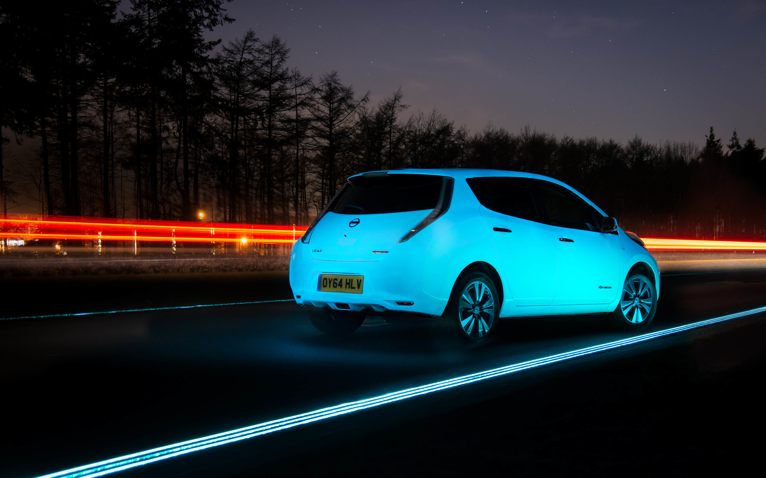 Best Automotive Battery >> Phosphorescent Nissan Leaf on Glowing Highway Looks Like a Scene From Avatar - autoevolution