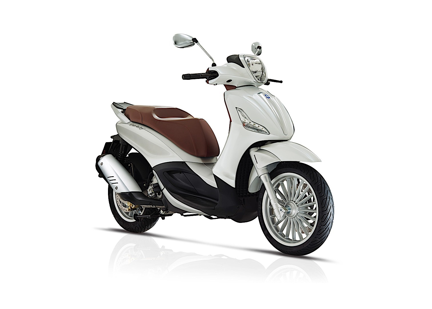 piaggio revises beverly range for 2017 - autoevolution