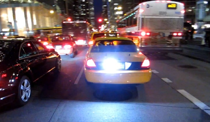 Police Car Disguised as Yellow Cab in Manhattan [Video]