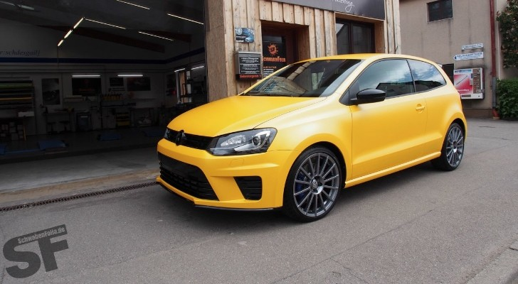 polo r wrc looks good in sunflower yellow wrap autoevolution. Black Bedroom Furniture Sets. Home Design Ideas