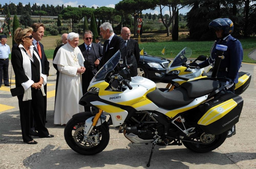 The Pope Gets Gift Car