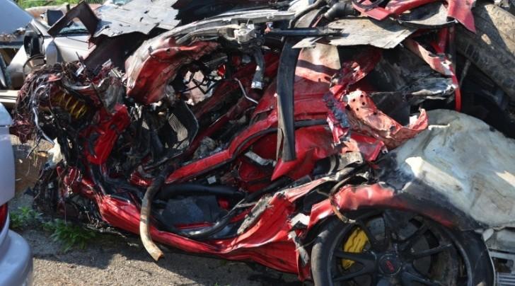 Porsche 911 GT2 RS Crash at 160 MPH - autoevolution