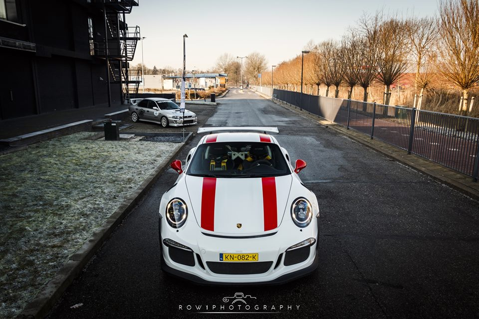 Mixed Race Porsche 911 GT3 RS Proudly Displays Its 911 R