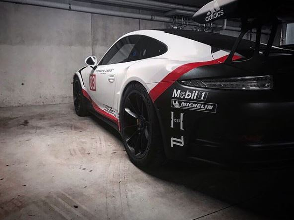 Porsche 911 Gt3 Rs Gets 911 Rsr Mid Engined Racecar Livery In Amazing Wrap Job Autoevolution