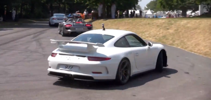 Porsche 911 GT3 Storms Goodwood Hill [Video]