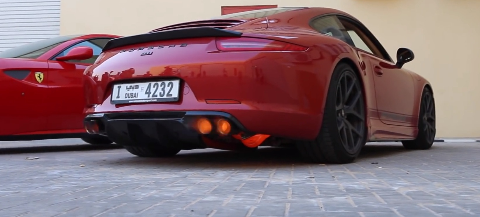 Porsche 911 Revved For 4 Minutes Non Stop Spits Flames