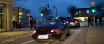Porsche 911 with Akrapovic Exhaust Terrorises City