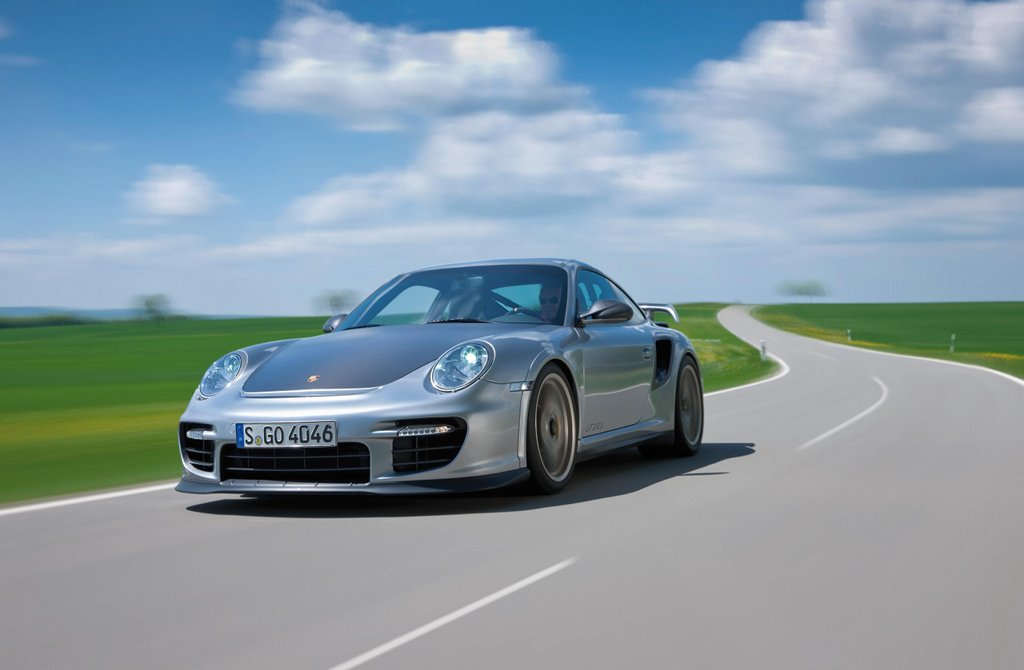 porsche offers you the chance to drive a 911 gt2 rs autoevolution. Black Bedroom Furniture Sets. Home Design Ideas