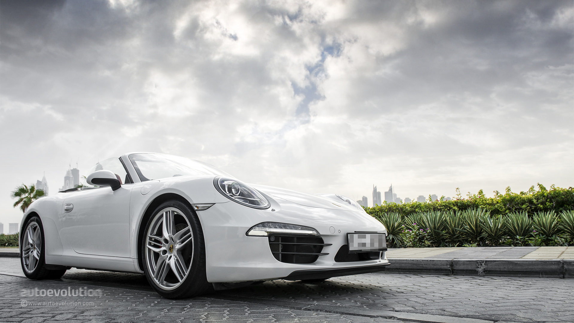 Porsche Recalling 911  Boxster And Cayman Due To Airbag Issue