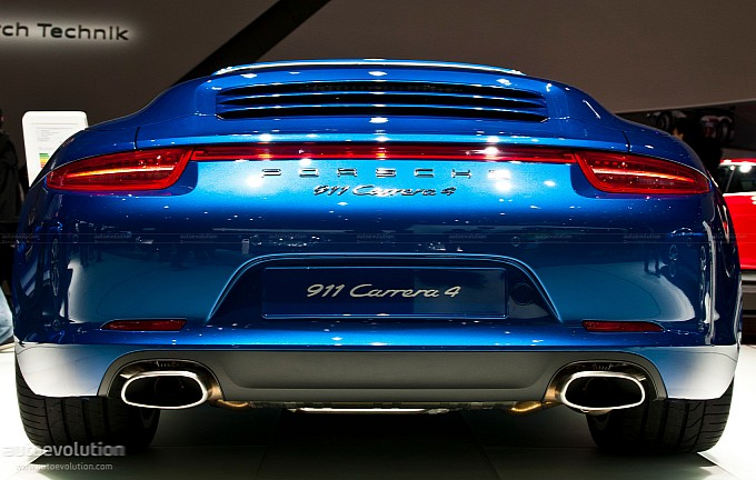 Porsche Recalls Over 2,200 New 911 Models