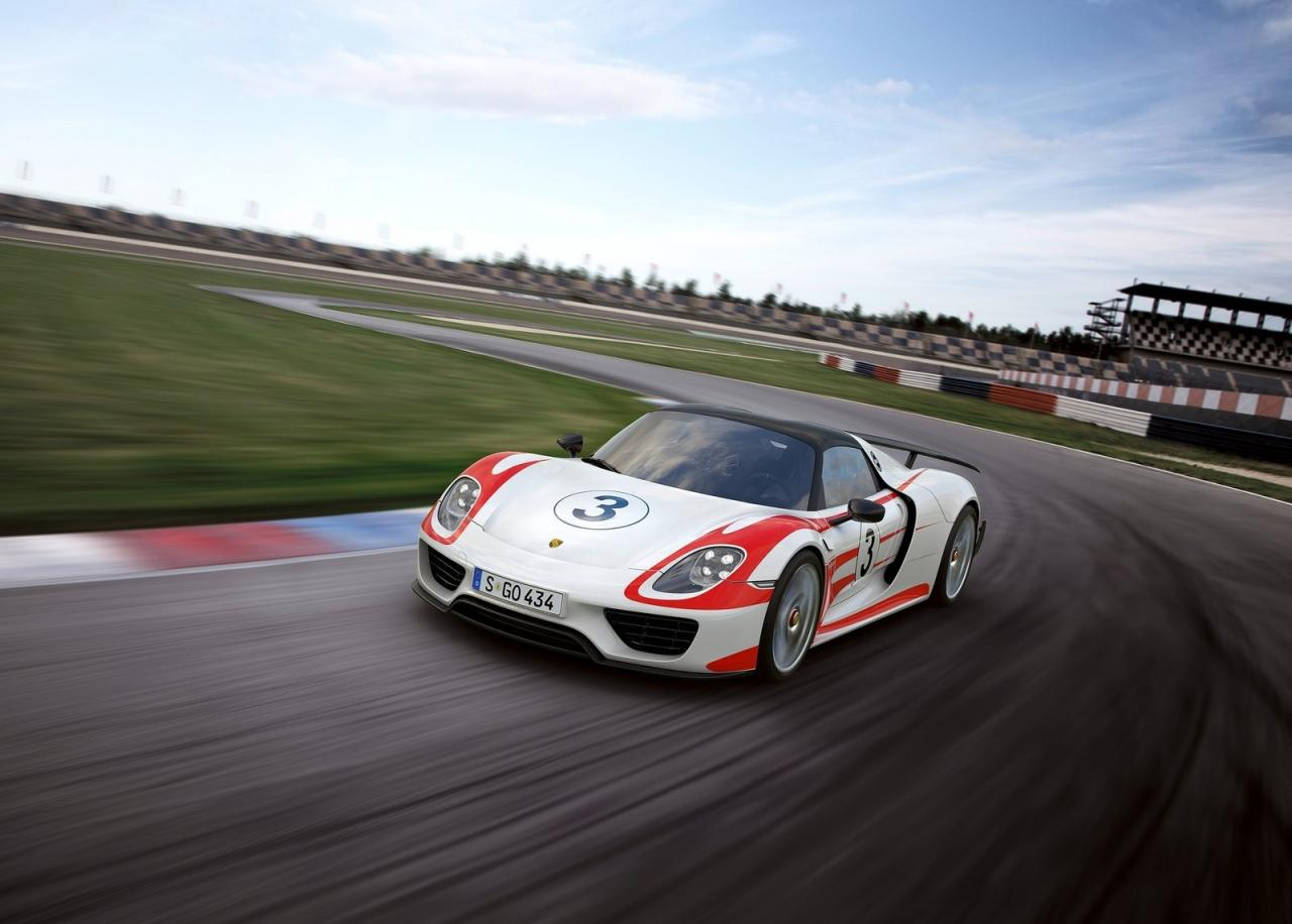 porsche releases updated 918 spyder performance numbers nurburgring time unc. Black Bedroom Furniture Sets. Home Design Ideas