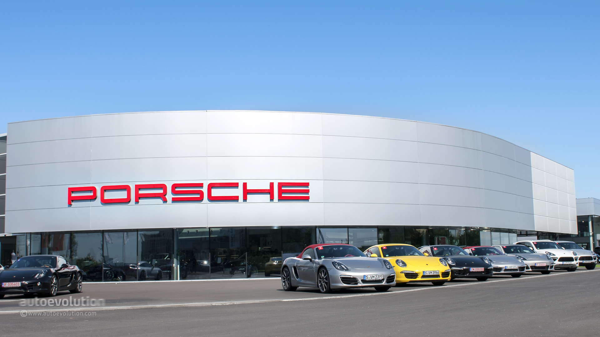 Porsche Roadshow 2013 Test Driving Porsche S Range