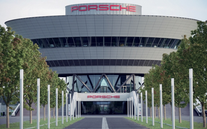 Porsche to Hire Over 1,000 Workers to Build Macan SUV