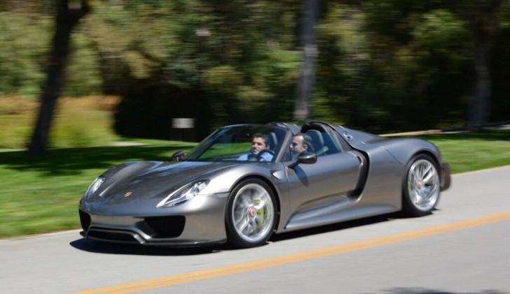 "Porsche Tweets ""Latest Production Version"" of 918 Supercar"