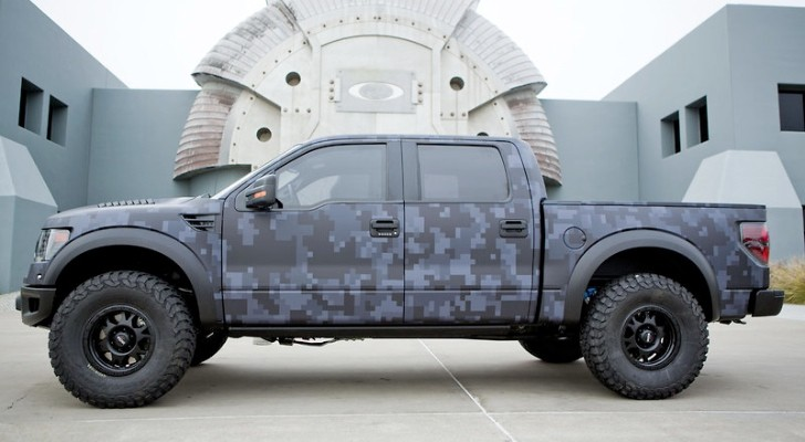 American Made Tires >> Pro Golfer Bubba Watson Gets Bulletproof Custom Oakley Ford Raptor - autoevolution