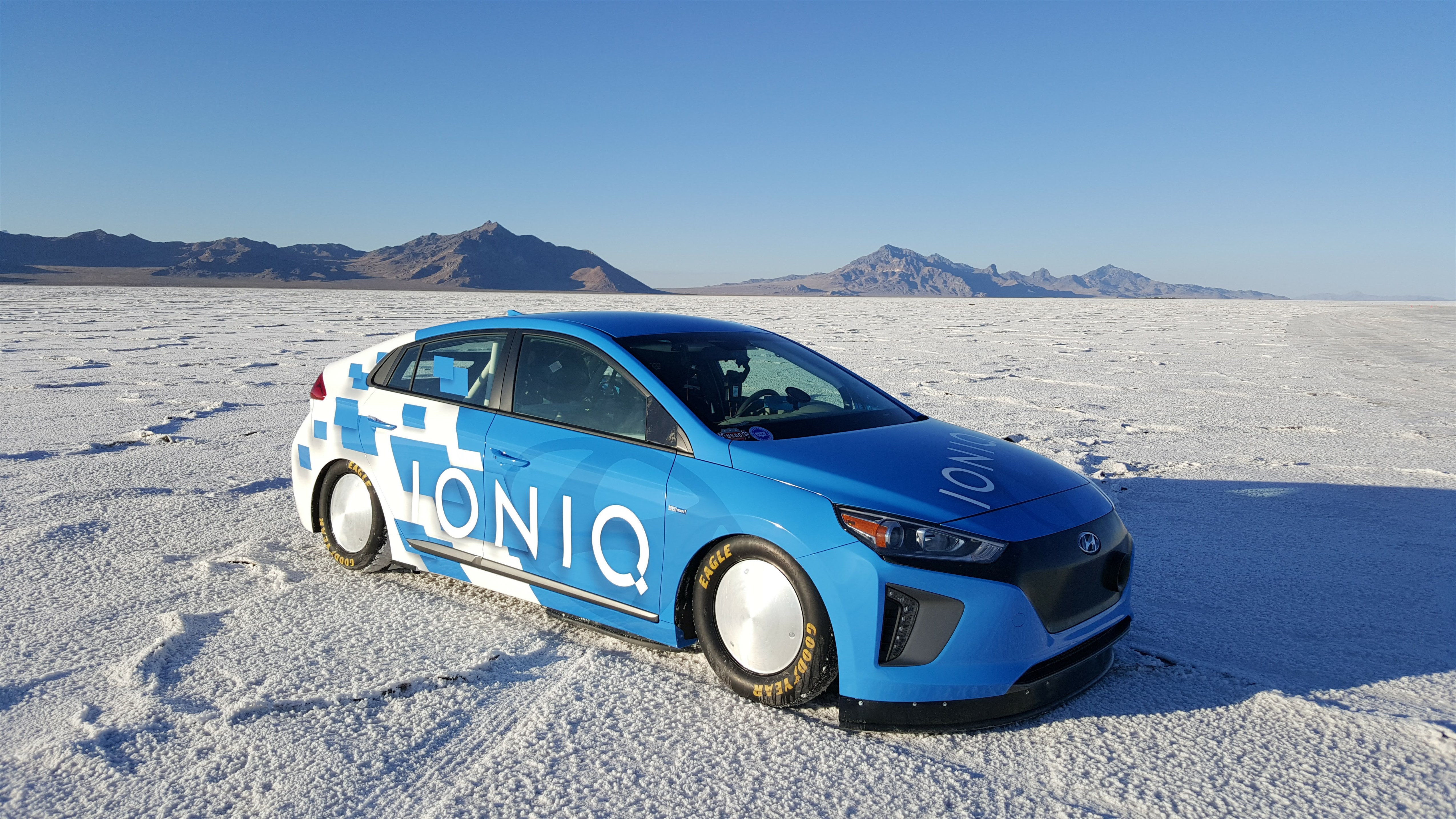 production-based hybrid vehicle land speed record: 157.825 mph in a
