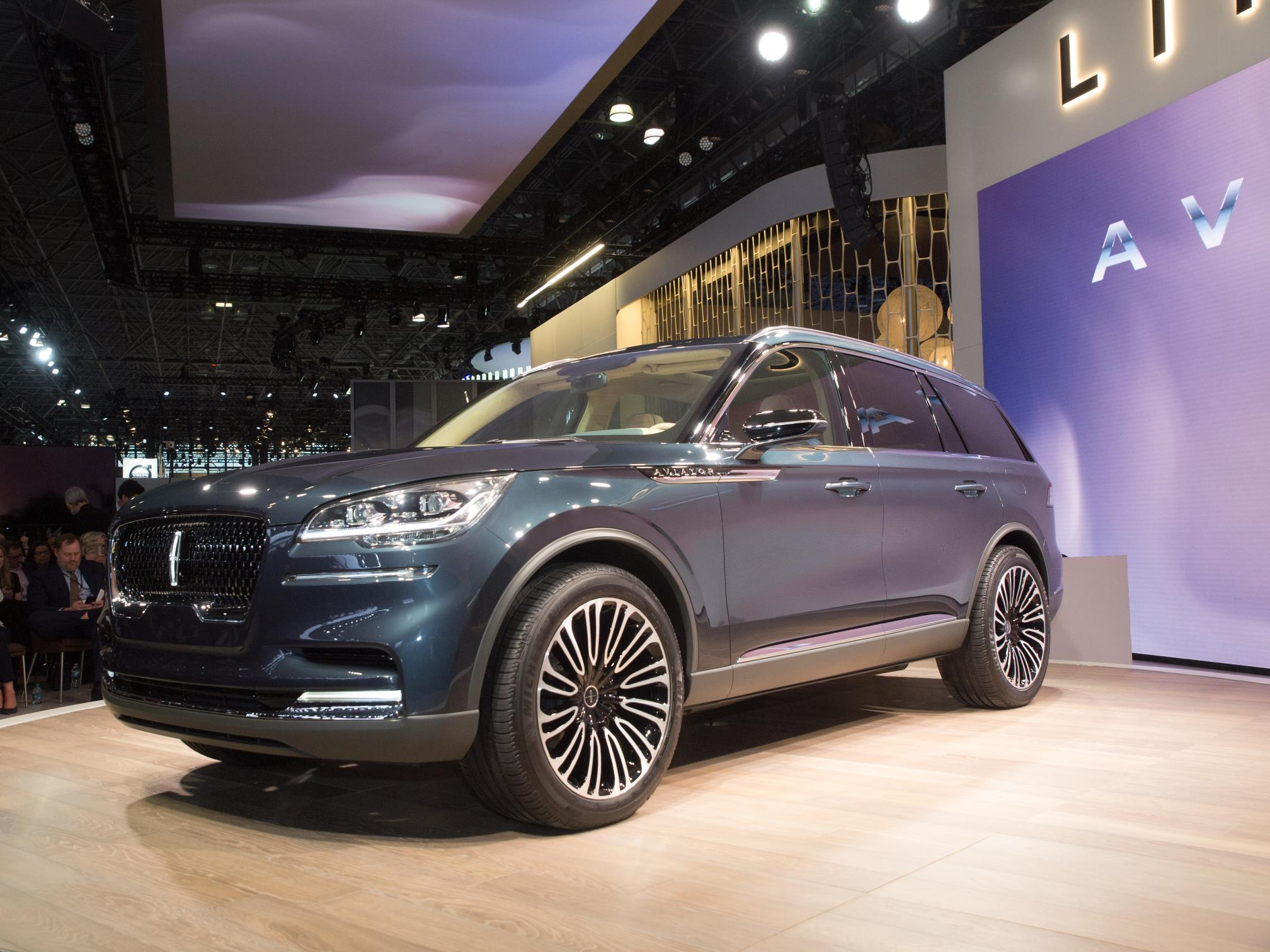 Production Lincoln Aviator Will Look Just Like the Concept ...