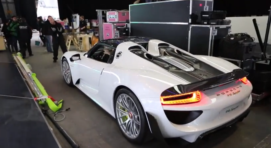 production porsche 918 spyder arrives at geneva motor show autoevolution. Black Bedroom Furniture Sets. Home Design Ideas
