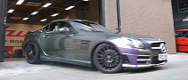 R172 Mercedes SLK Is a Shiny Chameleon [Video]
