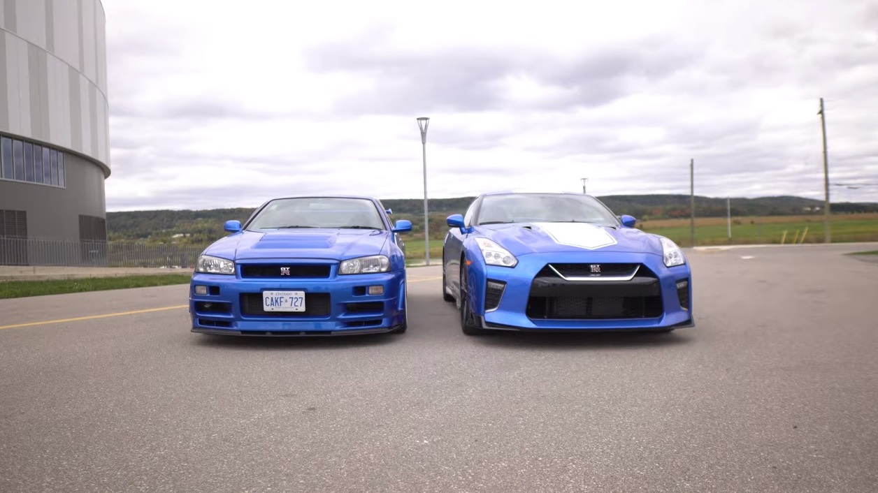 R34 Skyline Gt R V Meets The 2020 Nissan Gt R 50th Anniversary Both Are Awesome Autoevolution