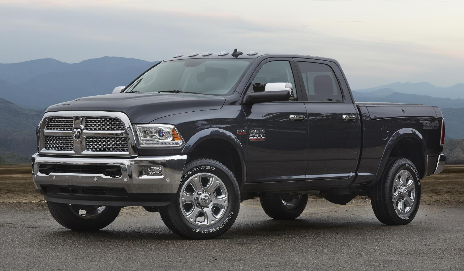 2016 ram 2500 4x4 off road package adds plenty of goodies for a small price autoevolution. Black Bedroom Furniture Sets. Home Design Ideas