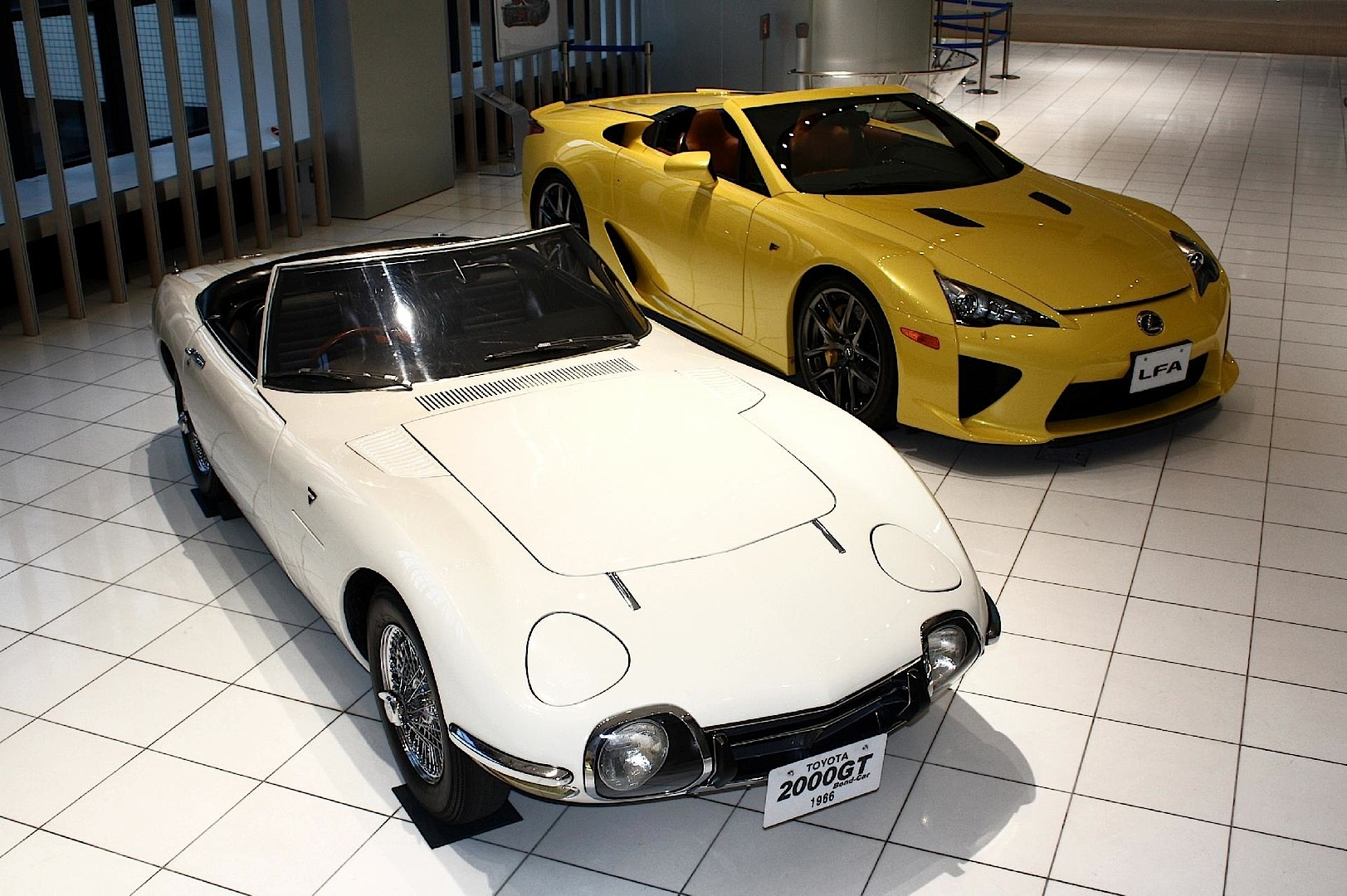 rare toyota and lexus convertibles rubbing shoulders in toyota museum autoevolution. Black Bedroom Furniture Sets. Home Design Ideas
