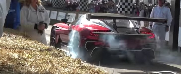 Red Aston Martin Vulcan Does Burnout At Goodwood Hill Autoevolution