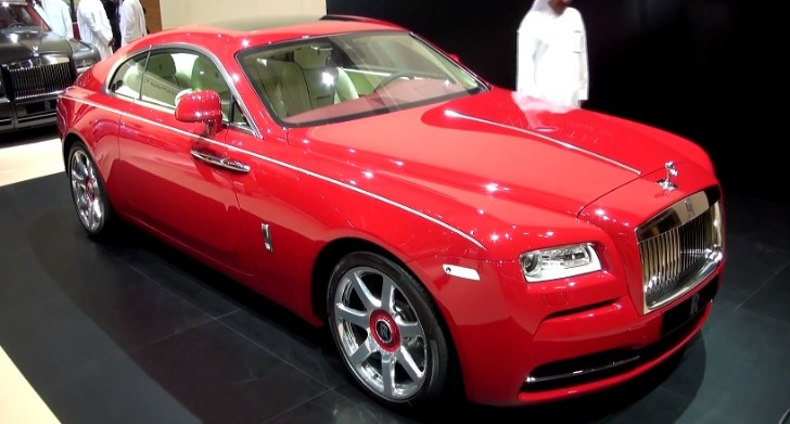 red rolls royce wraith shines in dubai video autoevolution. Black Bedroom Furniture Sets. Home Design Ideas