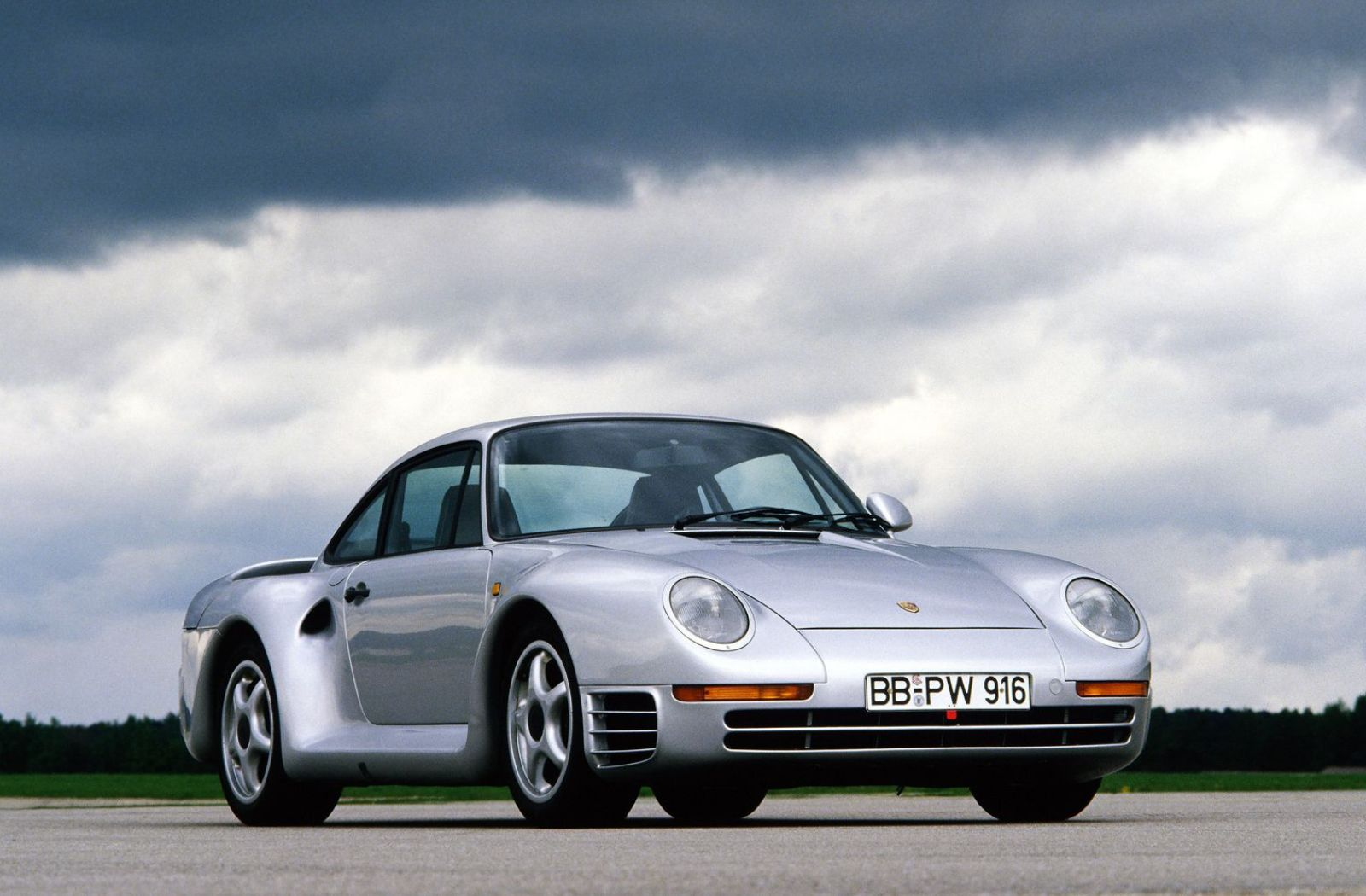 photo of Remembering the Porsche 959, One of the Most Influential Supercars Ever Built image
