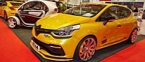 Renault Clio RS by Elia Racing at Essen Motor Show 2013 [Live Photos]