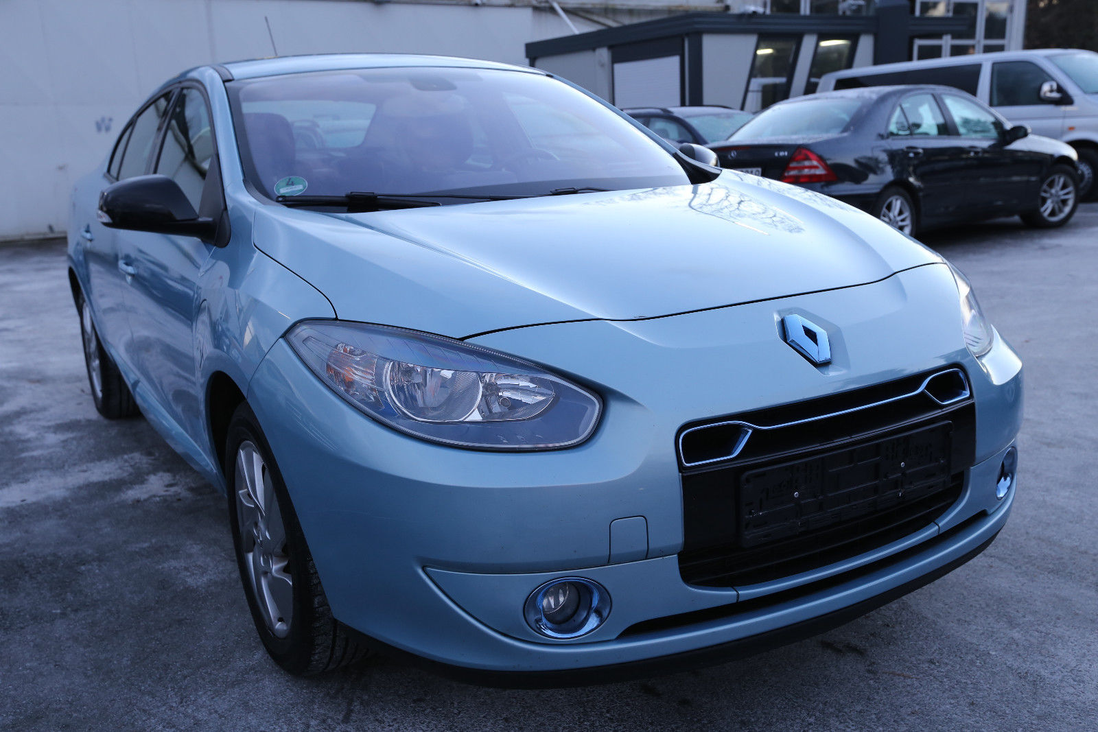 renault fluence ze could be europe 39 s cheapest used ev at 7 000 autoevolution. Black Bedroom Furniture Sets. Home Design Ideas