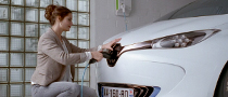 Renault Jump Starts EV Advertising Campaign [Video]