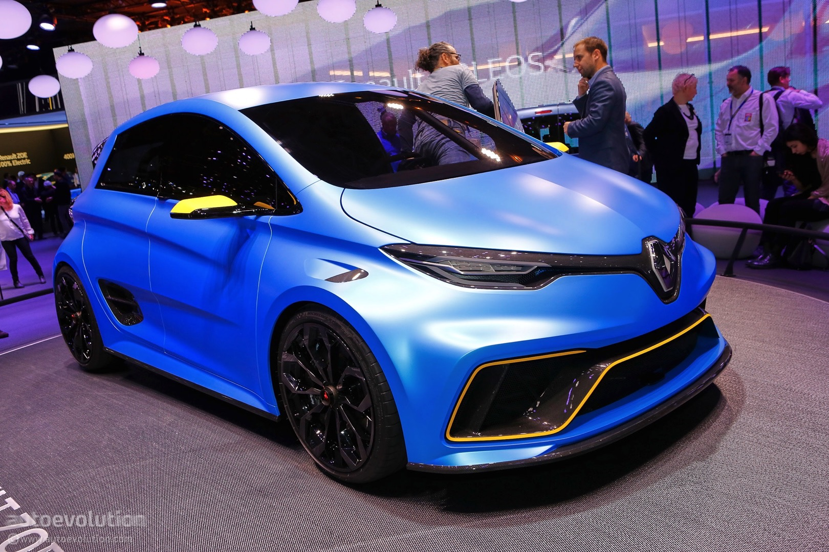 renault makes electric power exciting in geneva with zoe e sport concept autoevolution. Black Bedroom Furniture Sets. Home Design Ideas