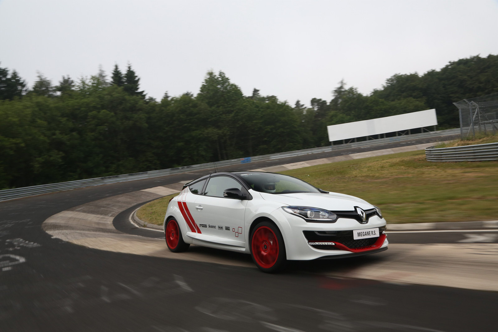 renault megane rs 275 trophy r priced from 45 000 autoevolution. Black Bedroom Furniture Sets. Home Design Ideas