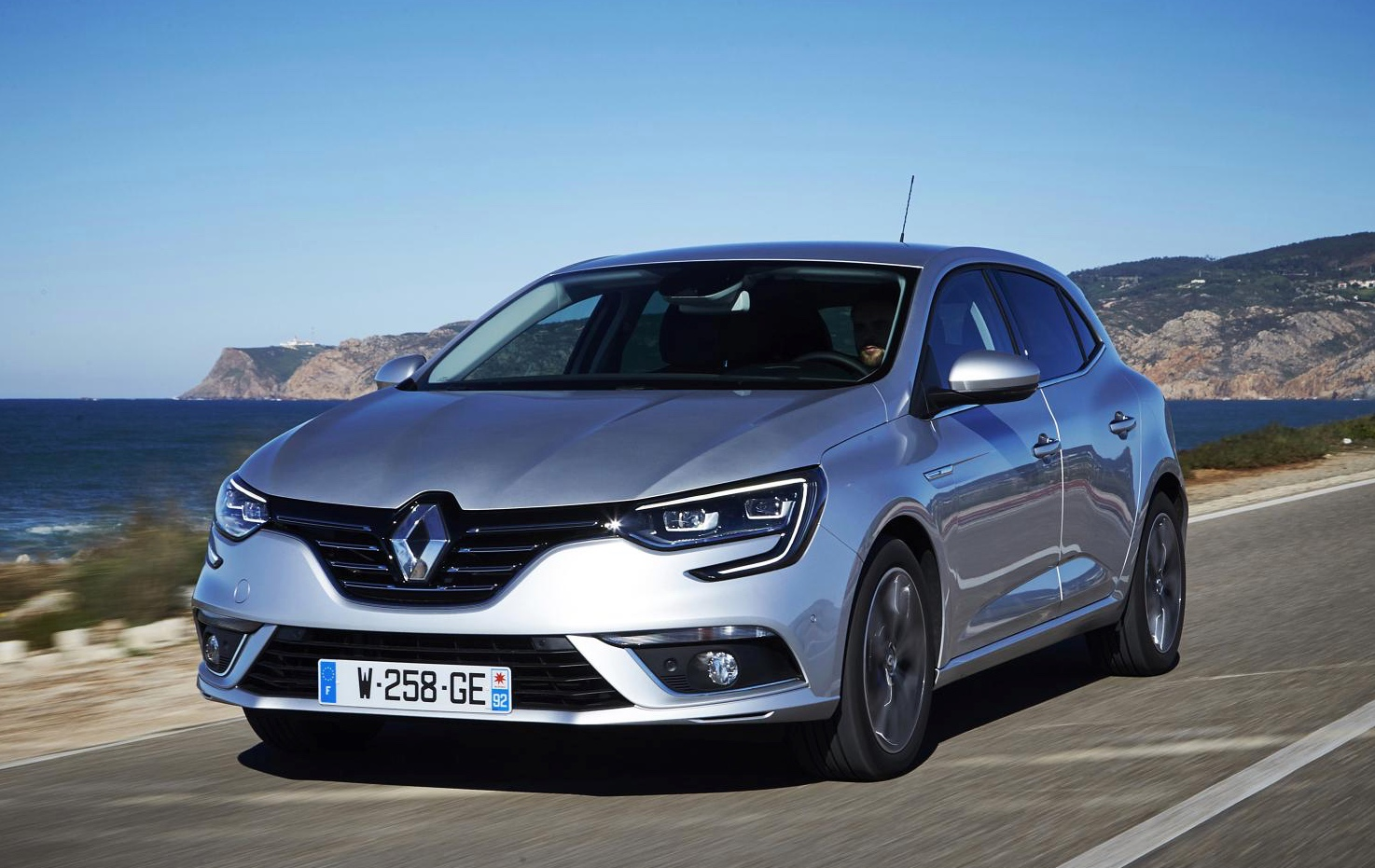 renault megane will get a sedan version in 2016 autoevolution. Black Bedroom Furniture Sets. Home Design Ideas