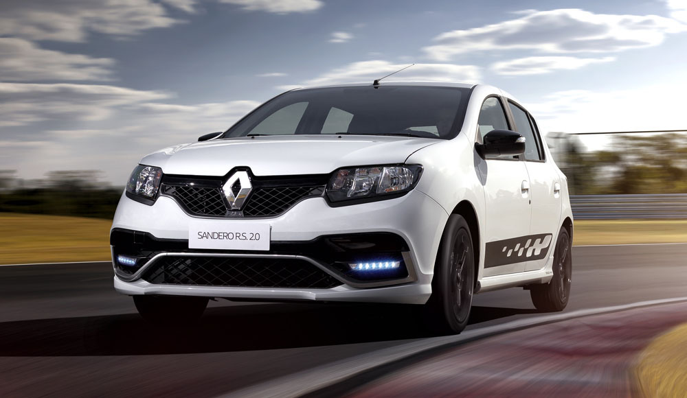 renault sandero rs 2 0 pricing announced 200 km h hot hatch arrives in september autoevolution. Black Bedroom Furniture Sets. Home Design Ideas