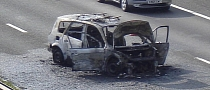 Renault Scenic Turns Fireball, Occupants Make Lucky Escape