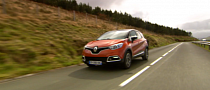 Renault Showcases New Captur in Test Drive [Video]